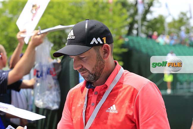 Sergio Garcia (ESP) signs autographs for fans during Wednesday's Practice Day of the 2016 U.S. Open Championship held at Oakmont Country Club, Oakmont, Pittsburgh, Pennsylvania, United States of America. 15th June 2016.<br /> Picture: Eoin Clarke | Golffile<br /> <br /> <br /> All photos usage must carry mandatory copyright credit (&copy; Golffile | Eoin Clarke)