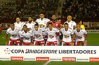BUENOS AIRES - ARGENTINA - 24-02-2016: Los Jugadores de Huracan de Argentina posan para una foto durante partido de la Primera Fecha del Grupo 4 por la Segunda Fase, entre Huracan y Atletico Nacional de la Copa Bridgestone Libertadores 2016 en el Estadio Tomas A Duco, de la ciudad de Buenos Aires. / The players of Huracan of Argentina pose for a photo during a match for the first date of the Group 4 for the second phase between Huracan and Atletico Nacional of Colombia for the Bridgestone Libertadores Cup 2016, in the Tomas A Duco, Stadium, in Buenos Aires city. Photo: Photogamma / Javier Garcia Martino / VizzorImage / Cont