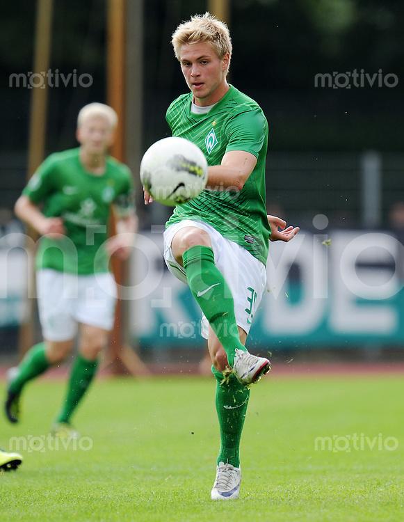 FUSSBALL   3. LIGA   SAISON 2011/2012    6. SPIELTAG SV Werder Bremen II - Preussen Muenster     21.08.2011 Florian TRINKS (SV Werder Bremen U 23) Einzelaktion am Ball