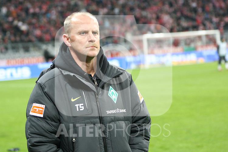 26.10.2010, Allianz Arena, Muenchen, GER, DFB Pokal, FC Bayern Muenchen vs SV Werder Bremen, im Bild Thomas Schaaf (Trainer Bremen) , Foto © nph / Straubmeier