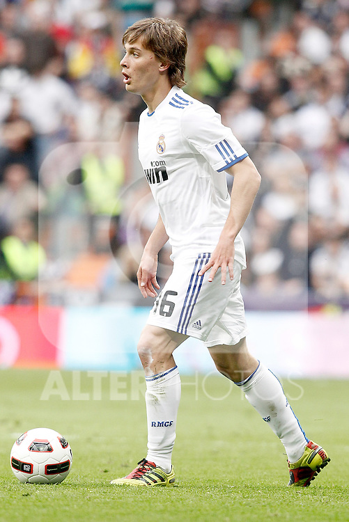 Real Madrid's Sergio Canales during La Liga Match. April 02, 2011. (ALTERPHOTOS/Alvaro Hernandez)