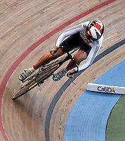 CALI – COLOMBIA – 01-03-2014: Laura Trott de Gran Bretaña durante la prueba de Vuelta Lanzada del Omnium Damas en el Velodromo Alcides Nieto Patiño, sede del Campeonato Mundial UCI de Ciclismo Pista 2014. / Laura Trott of Great Britain during the test of the Women´s Omnium Flying Lap at the Alcides Nieto Patiño Velodrome, home of the 2014 UCI Track Cycling World Championships. Photos: VizzorImage / Luis Ramirez / Staff.