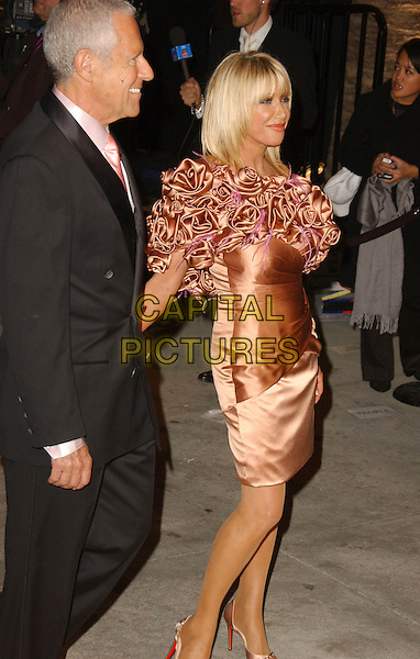 SUZANNE SOMMERS & GUEST.The 2007 Vanity Fair Oscar Party Hosted by Graydon Carter held at Morton's, West Hollywood, California, USA, 25 February 2007..oscars full length .CAP/ADM/GB.©Gary Boas/AdMedia/Capital Pictures.