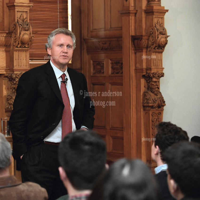 Jeffrey R Immelt, Chairman & CEO General Electric, Speaking at Yale University School of Managment Leaders Forum on 17 February 2004. Photo Credit: James R Anderson