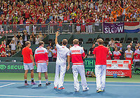 Switserland, Genève, September 20, 2015, Tennis,   Davis Cup, Switserland-Netherlands, Swiss team thanking the crowd<br /> Photo: Tennisimages/Henk Koster