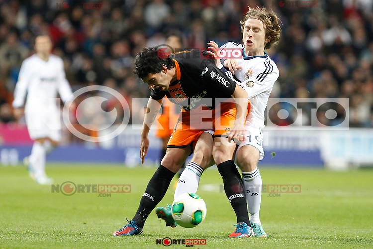 Real Madrid vs Valencia during Spanish King's Cup match, in the pic:  Luka Modric and Daniel Parejo. January 15, 2013. (ALTERPHOTOS/Caro Marin)