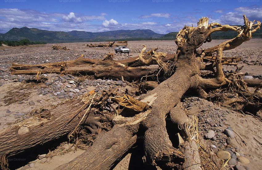 Desertification choluteca valley hurricane mitch for Soil erosion causes