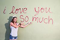 """El mural  """"I love you so much"""" es una part iconica de la cultura de South Congress (SoCO) y el mas famoso y popular de los mas de 100 murales al rededor de Austin."""