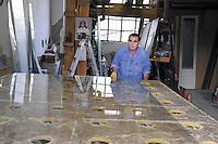 - Milano, gli artigiani del quartiere Ticinese Barona; Michele Sale, detto Sal: vetraio<br /> <br /> - Milan, the artisans of Ticinese Barona district; Michele Sale, said Sal: glaziers