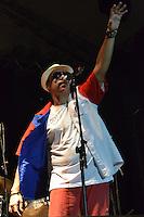 RIO DE JANEIRO-05 DE MAIO DE 2012-VIRADAO CARIOCA- A Banda Rio Samba N Roll agita a noite do evento com Samba misturado ao Rock.Foto: Marcelo Fonseca-Brazil Photo Press