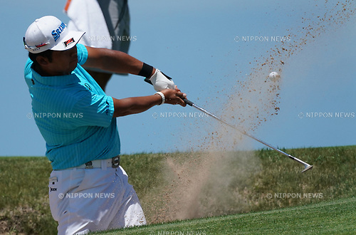 Hideki Matsuyama (JPN),<br /> JUNE 15, 2017 - Golf :<br /> Hideki Matsuyama of Japan hits out of a bunker during the first round of the U.S. Open  Championship at Erin Hills golf course in Erin, Wisconsin, United States. (Photo by Koji Aoki/AFLO)
