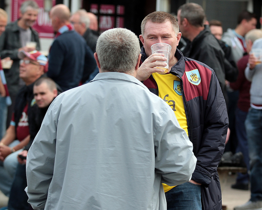 Burnley fans enjoy a pre-match pint at the Park View pub<br /> <br /> Photographer David Shipman/CameraSport<br /> <br /> Football - The Football League Sky Bet Championship - Burnley v Reading - Saturday 26th September 2015 - Turf Moor - Burnley<br /> <br /> &copy; CameraSport - 43 Linden Ave. Countesthorpe. Leicester. England. LE8 5PG - Tel: +44 (0) 116 277 4147 - admin@camerasport.com - www.camerasport.com