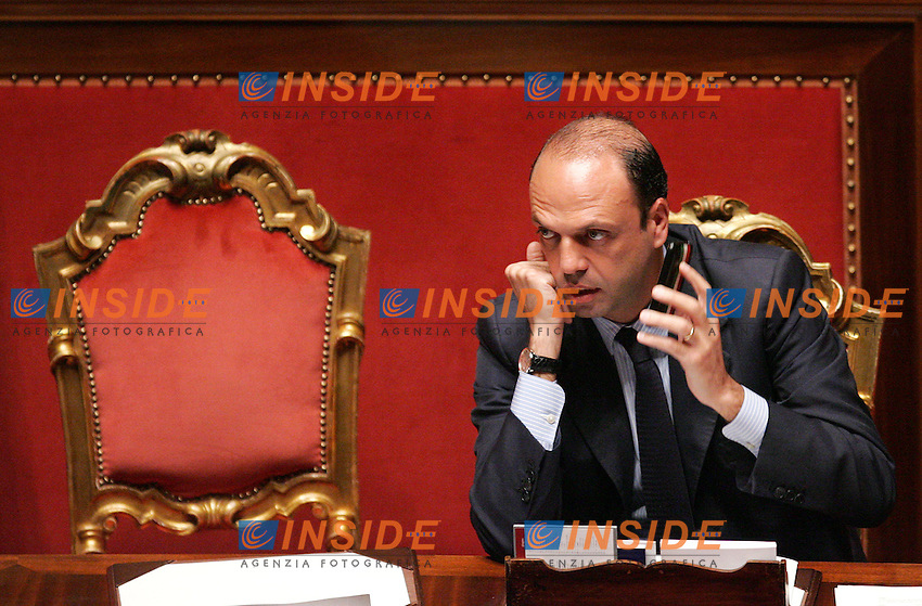 ANGELINO ALFANO<br />Roma 10/06/2010 Senato. Voto di fiducia sul DDL riguardante le Intercettazioni.<br />Photo Zucchi Insidefoto