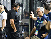 HEMPSTEAD - USA. 13-07-2016: Tony Meola técnico de Jacksonville Armada FC gesticula durante el encuentro entre New York Cosmos y Jacksonville Armada FC por la temporada de otoño 2016 de la North American Soccer League (NASL) jugado en el estadio James M. Shuart Stadium de la ciudad de Hempstead, NY./ Tony Meola coach of Jacksonville Armada FC gestures during match between New York Cosmos and Jacksonville Armada FC for the fall season 2016 of the  North American Soccer League (NASL) played at James M. Shuart Stadium in Hempstead, NY. Photo: VizzorImage/ Gabriel Aponte / Staff