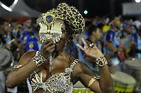 SÃO PAULO, SP, 29 DE JANEIRO DE 2012 - ENSAIO TÉCNICO ACADEMICOS DO TUCURUVI - Rainha da Bateria  Valeria de Paula Ensaio técnico da Escola de Samba Acadêmicos do Tucuruvi na preparação para o Carnaval 2012. O ensaio foi realizado  neste domingo (29) no Sambódromo do Anhembi, zona norte da cidade. FOTO: LEVI BIANCO - NEWS FREE
