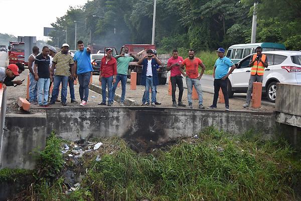Autopista 6 de Noviembre, accidente de transito<br /> Foto: &copy; Edgar Hern&aacute;ndez<br /> Fecha:09/05/2015