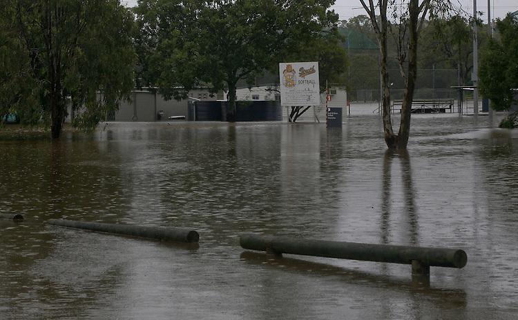 Bulimba Creek, Preston Road, Carindale, Brisbane, Queensland, Australia, Wednesday, January 25, 2012. (Photo by John Pryke)