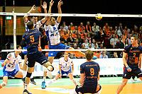 GRONINGEN - Volleybal , Lycurgus - Orion, finale playoff 5, seizoen 2018-2019, 12-5-2019,  Orion speler Shalev Saada passeert het blok