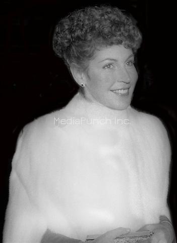 Helen Reddy 1977<br /> Photo By Adam Scull/PHOTOlink/MediaPunch