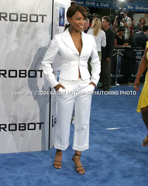 ©2004 KATHY HUTCHINS /HUTCHINS PHOTO.I, ROBOT PREMIERE.WESTWOOD, CA.JULY 7, 2004..ELISE NEAL