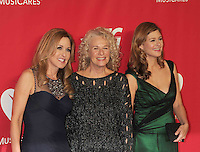WWW.BLUESTAR-IMAGES.COM Honoree Carole King (C) with daughters Sherry Goffin Kondor (L) and Louise Goffin (R) attend 2014 MusiCares Person Of The Year Honoring Carole King at Los Angeles Convention Center on January 24, 2014 in Los Angeles, California.<br /> Photo: BlueStar Images/OIC jbm1005  +44 (0)208 445 8588