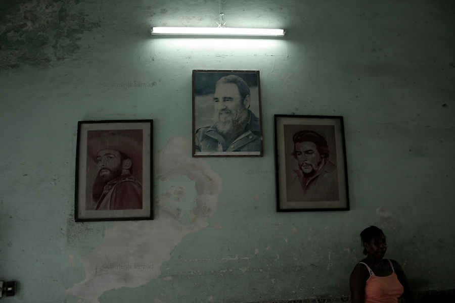 Havana (Cuba). September 2006..La Habana Vieja. School. Portraits of revolutionary leaders..
