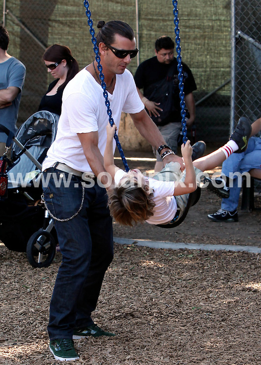 **ALL ROUND EXCLUSIVE PICTURES FROM SOLARPIX.COM**                                             **SYNDICATION RIGHTS FOR UK AND SPAIN ONLY**                                                                                  Caption: Gwen Staefani and Gavin Rossdale take their adorable boys Kingston and Zuma to the park, CA, USA, 14 November 2010                                                                              This pic:  Gavin Rossdale                                                                                            JOB REF: 12476        STL       DATE: 14_11_2010                                                           **MUST CREDIT SOLARPIX.COM OR DOUBLE FEE WILL BE CHARGED**                                                                      **MUST AGREE FEE BEFORE ONLINE USAGE**                               **CALL US ON: +34 952 811 768 or LOW RATE FROM UK 0844 617 7637**