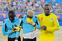 RAVENNA, ITALIA, 08 DE SETEMBRO DE 2011 - COPA DO MUNDO DE BEACH SOCCER - <br /> <br /> PORTUGAL X SENEGAL-  Goleiro AlSeyni camisa 1 do Senegal apos ser desclassificado nos penaltis na partida contra a Portugal, válida pelas quartas de final da Copa do Mundo de Beach Soccer, no Estádio Del Mare, em Ravenna, Itália, nesta quinta-feira (8). FOTO: VANESSA CARVALHO - NEWS FREE