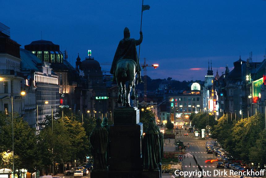 Tschechien, Prag, Wenzelsplatz (Vaclavske namesti), Denkmal des heiligen Wenzel von Josef Myslbek; Unesco-Weltkulturerbe