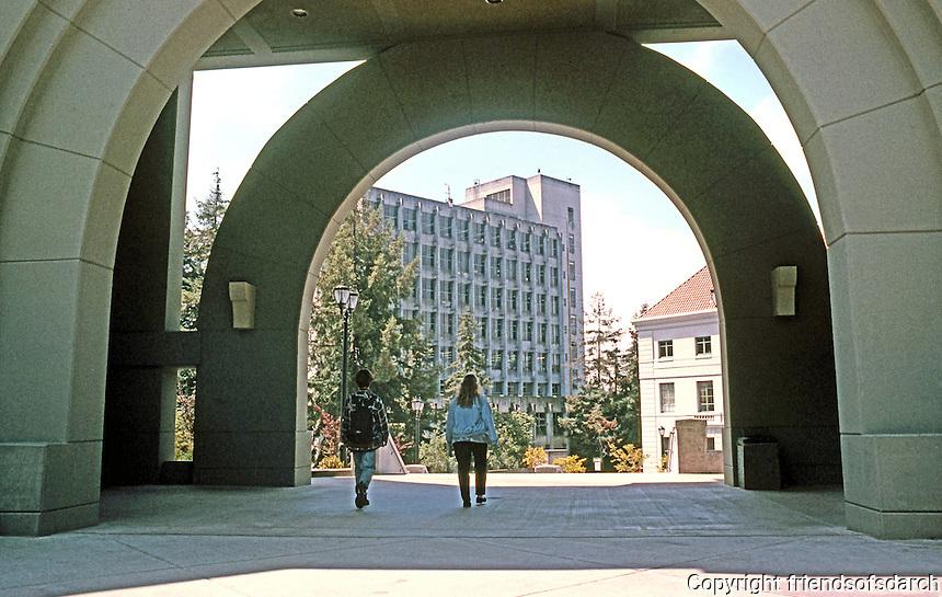 Charles Moore: U.C. Berkeley. School of Business.   Photo  '98.