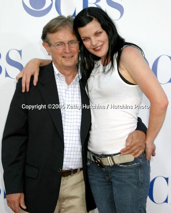 David McCallum & Pauley Perrette.CBS TCA Party.Padadena, CA.July 15, 2006.©2006 Kathy Hutchins / Hutchins Photo....