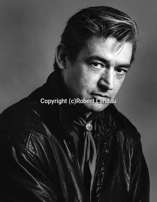 Black and white portrait of musician Chris Spedding