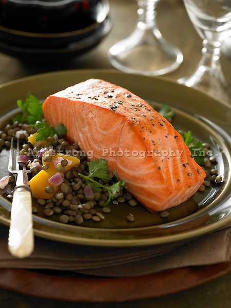 Autumn meal of salmon and lentils