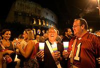 Fiaccolata promossa dalle associazioni per i diritti degli omosessuali a Roma, 4 settembre 2009, dopo i recenti casi di omofobia verificatisi nella capitale..Gay right activists attend a torchlight procession in Rome, 4 september 2009. The gay area of Rome has suffered homophobic attacks in late weeks. The latest incident leaving one man injured.UPDATE IMAGES PRESS/Riccardo De Luca