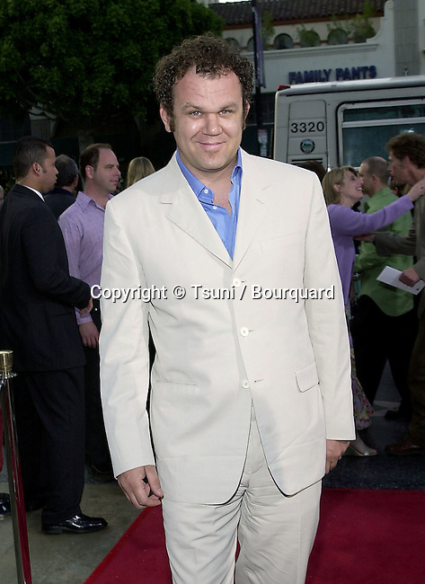 """John C. Reilly arriving at the movie 1ere of """" Anniversary Party""""  at the Egyptian Theatre in Los Angeles  June 6, 2001   © Tsuni          -            ReillyJohnC13.jpg"""