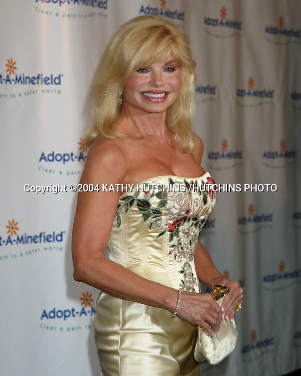 """©2004 KATHY HUTCHINS /HUTCHINS PHOTO.""""ADOPT-A-MINEFIELD"""" BENEFIT.CENTURY CITY, CA.OCTOBER 15, 2004..LONI ANDERSON"""