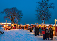 Deutschland, Bayern, Oberbayern, Chiemgau, Chiemsee: Insel Frauenchiemsee: romantischer Christkindlmarkt auf der Fraueninsel | Germany, Bavaria, Upper Bavaria, Chiemgau, Lake Chiem: island Frauenchiemsee, Christmas Market
