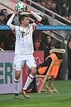 12.01.2018, BayArena, Leverkusen , GER, 1.FBL., Bayer 04 Leverkusen vs. FC Bayern M&uuml;nchen<br /> im Bild / picture shows: <br /> Einwurf Thomas M&uuml;ller / Mueller (Bayern Muenchen #25),   <br /> <br /> <br /> Foto &copy; nordphoto / Meuter