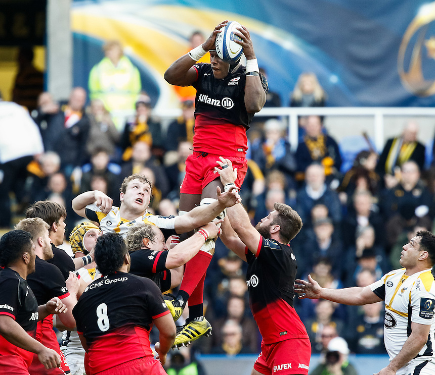 Saracens' Maro Itoje claims the lineout<br /> <br /> Photographer Simon King/CameraSport<br /> <br /> Rugby Union - European Rugby Champions Cup Semi Final - Saracens v Wasps - Saturday 23rd April 2016 - Madejski Stadium - Reading<br /> <br /> &copy; CameraSport - 43 Linden Ave. Countesthorpe. Leicester. England. LE8 5PG - Tel: +44 (0) 116 277 4147 - admin@camerasport.com - www.camerasport.com