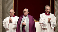 Papa Francesco celebra la Liturgia Penitenziale nella Basilica di San Pietro. Città del Vaticano, 9 marzo, 2018.<br /> Pope Francis leads the celebration of the Sacrament of Penance in Saint Peter's Basilica at the Vatican, on March 9, 2018.<br /> UPDATE IMAGES PRESS/Isabella Bonotto<br /> <br /> STRICTLY ONLY FOR EDITORIAL USE