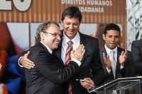 SAO PAULO, SP, 11 JANEIRO 2013 - POLITICA - NOVO SECRETARIO DA GESTAO DE FERNANDO HADDAD - Prefeito Sao Paulo, Fernando Hadda (d) durante cerimônia de posse do secretário Rogério Sotilli (e ) que assume o lugar de Jose Gregorio como Presidente da Comissão de Direitos Humanos do Município de São Paulo. A cerimonia realizada na manha desta sexta-feira(11) no jardim interno do Pátio do Colégio na Rua Bela Vista regiao central de Sao Paulo. (FOTO: AMAURI NEHN / BRAZIL PHOTO PRESS).