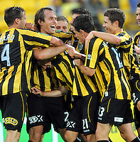 110105 A-League Football - Wellington Phoenix v Melbourne Victory