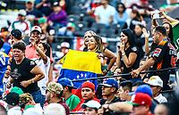 Aficionados con la bandera de Venezuela . <br /> <br /> Aspectos del segundo d&iacute;a de actividades de la Serie del Caribe con el partido de beisbol  &Aacute;guilas Cibae&ntilde;as de Republica Dominicana contra Caribes de Anzo&aacute;tegui de Venezuela en estadio Panamericano en Guadalajara, M&eacute;xico,  s&aacute;bado 3 feb 2018. (Foto  / Luis Gutierrez)