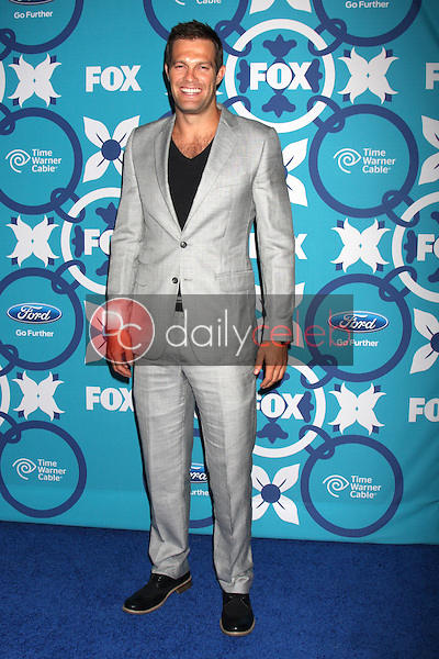 Geoff Stults<br />