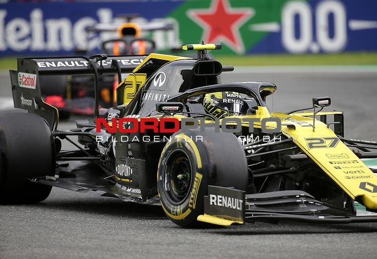 06.09.2019, Autodromo Nazionale di Monza, Monza, FORMULA 1 GRAN PREMIO HEINEKEN D'ITALIA 2019<br />,im Bild<br />Nico Hülkenberg (GER#27), Renault F1 Team, Max Verstappen (NEL#33), Aston Martin Red Bull Racing<br /> <br /> Foto © nordphoto / Bratic