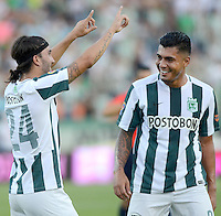 MEDELLÍN -COLOMBIA, 27-09-2015: Sebastian Perez (Izq) jugador de Atlético Nacional celebra un gol anotado a Boyacá Chicó FC durante partido por la fecha 14 de la Liga Aguila I 2015 jugado en el estadio Atanasio Girardot de la ciudad de Medellín./ Sebastian Perez (L) player of Atletico Nacional  celebrates a goal scored to Boyaca Chico FC during the match for the  date 14 of the Aguila League I 2015 at Atanasio Girardot stadium in Medellin city. Photo: VizzorImage/León Monsalve/STR