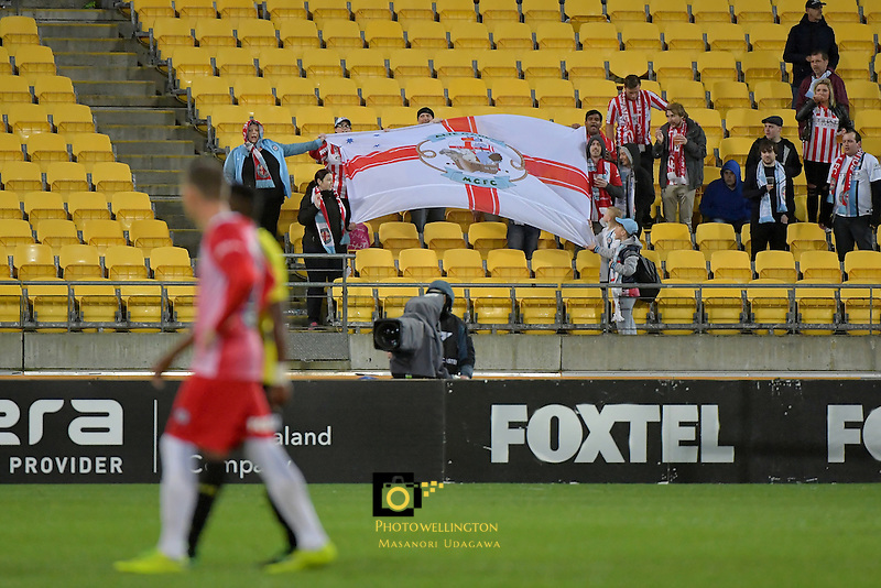 A League - Wellington Phoenix v Melbourne City FC at Westpac Stadium, Wellington, New Zealand on Saturday 8 October 2016.<br /> Photo by Masanori Udagawa. <br /> www.photowellington.photoshelter.com.