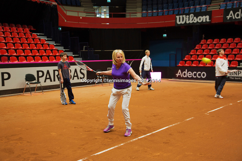 The Netherlands, Den Bosch, 16.04.2014. Fed Cup Netherlands-Japan, clinic<br /> Photo:Tennisimages/Henk Koster