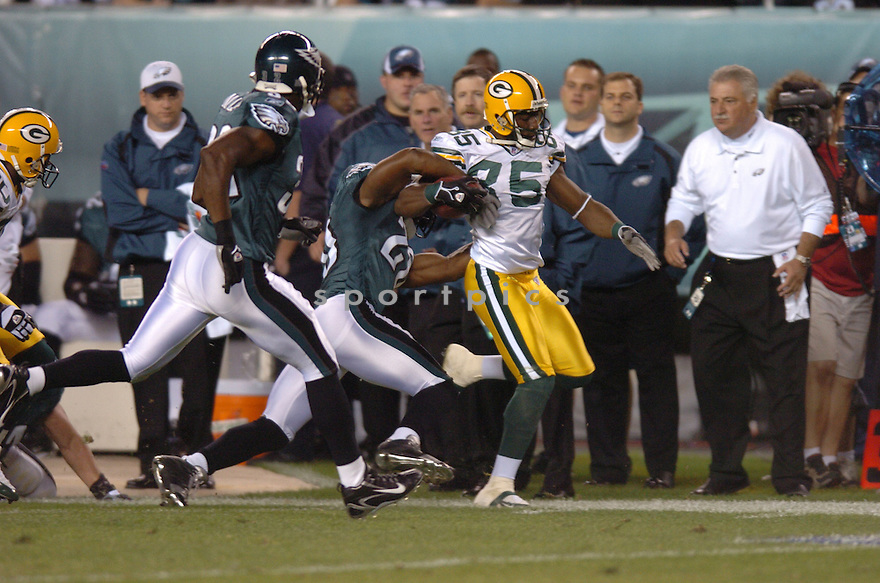 GREG JENNINGS, of the Green Bay Packers , in action against the   Philadelphia Eagles on October 2, 2006 in Foxborough, Ma...Eagles win 31-9..Tomasso DeRosa / SportPics.