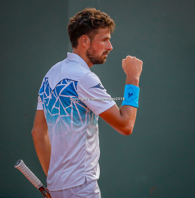 Paris, France, 27 May, 2018, Tennis, French Open, Roland Garros, Robin Haase (NED) jubilates<br /> Photo: Henk Koster/tennisimages.com